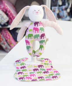 ръчно изработена играчка за бебе на няколко месеца до годинка