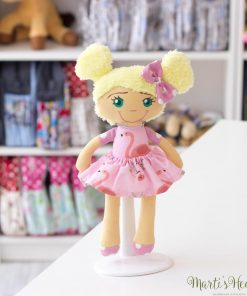 Ръчно направена кукла с рокля фламинго