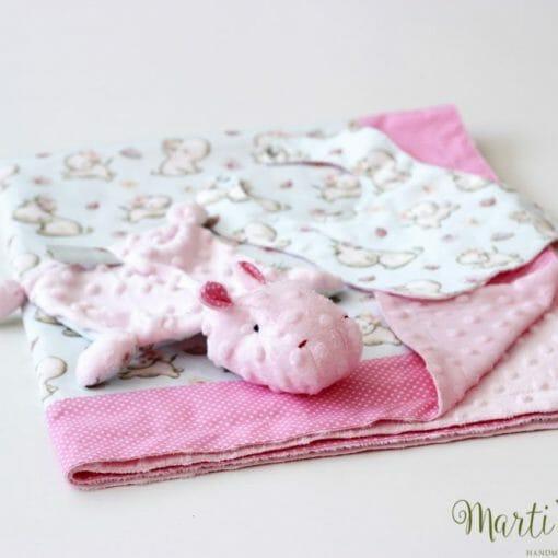 Одеалце на хипопотами с мека бебе играчка