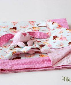 Розово одеалце с играчка - на балерини